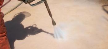 Limpeza de concreto com hidrojateamento